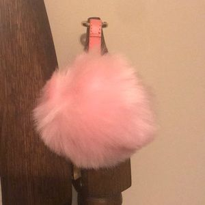 Accessories - Pink puff.